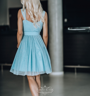 kleit sädelusega